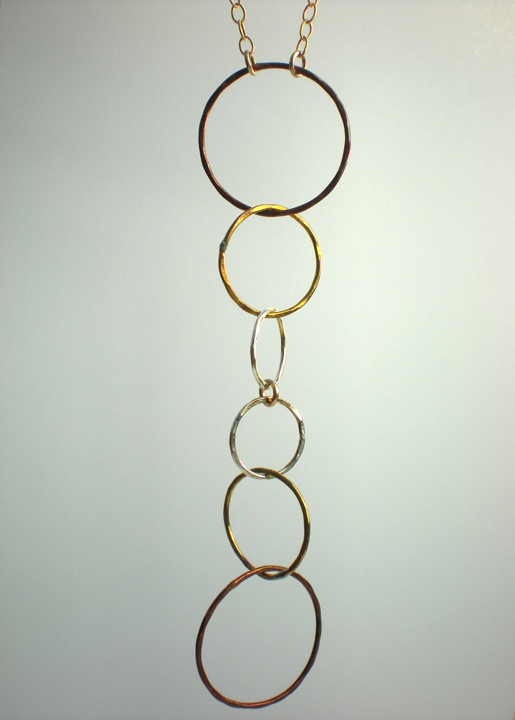 Linked Multi Circle Pendant Necklace